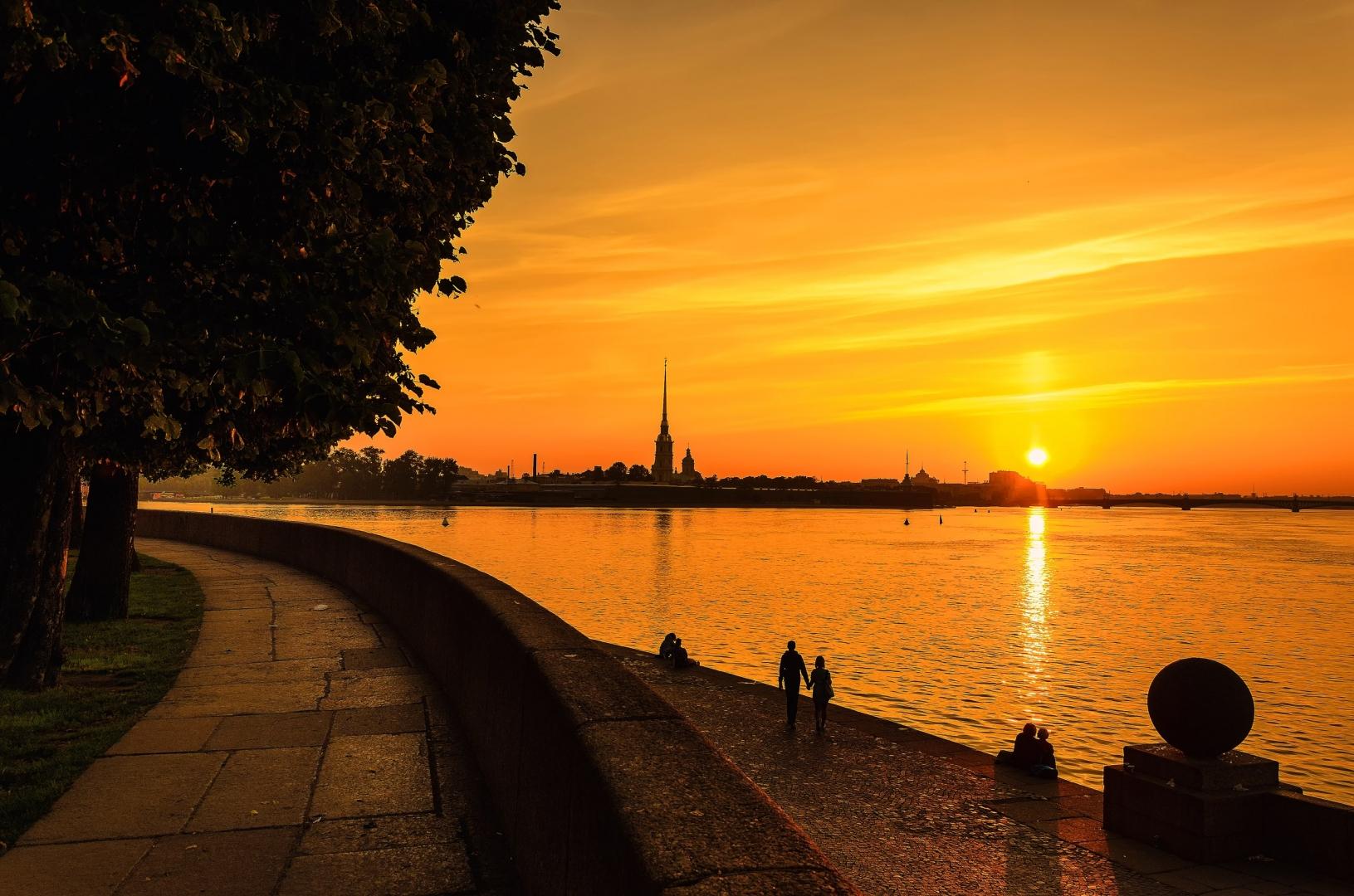 поздравить праздником картинки санкт петербурга в закате сотрудники музея все