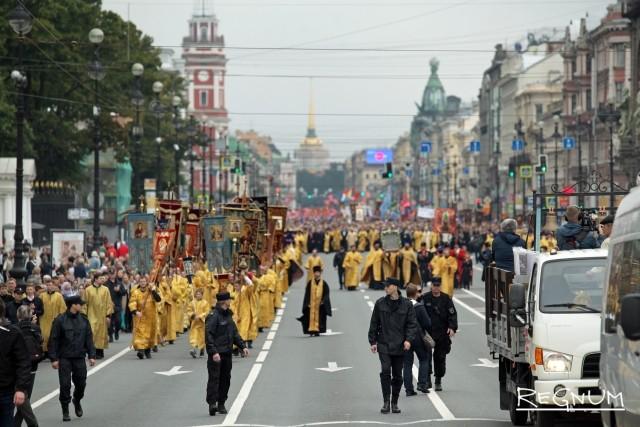 Крестному ходу в Петербурге напомнили об убийстве Николая II