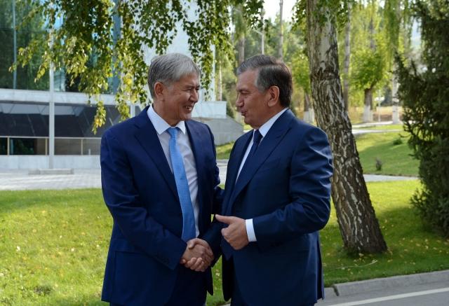 Встреча Алмазбека Атамбаева с Шавкатом Мирзиёевым