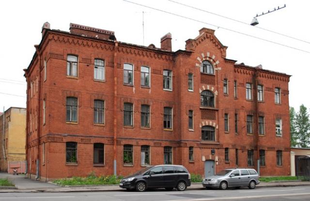 Полтавченко оправдал снос старого дома ради Серного моста в Петербурге