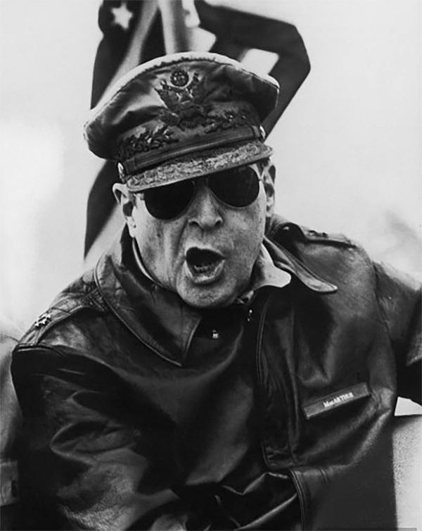 Дуглас Макартур, дух ядерной войны