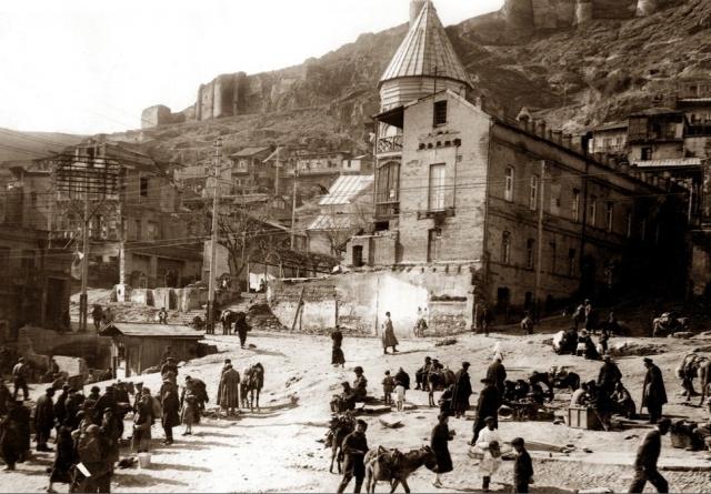 Обманчивый дым грузинской демократии и меньшевики Тифлиса