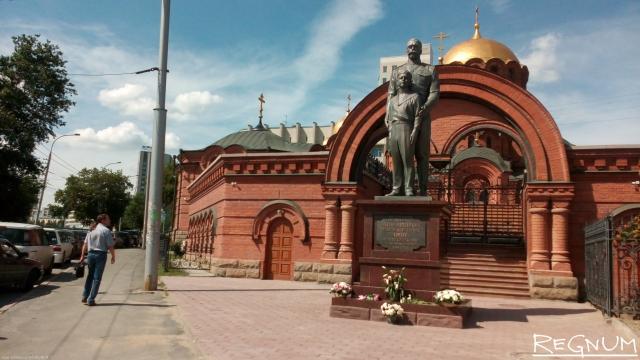 Скандал вокруг памятника Николаю II: кто должен «каяться» и в каком порядке