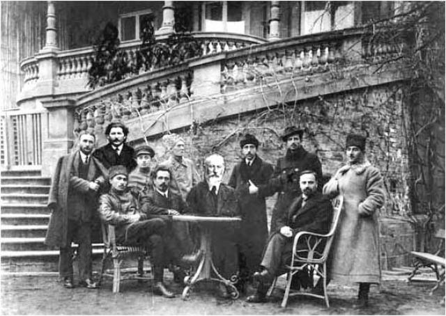 Меньшевики — члены грузинского Исполкома Совета рабочих депутатов. Тифлис. 1917 г