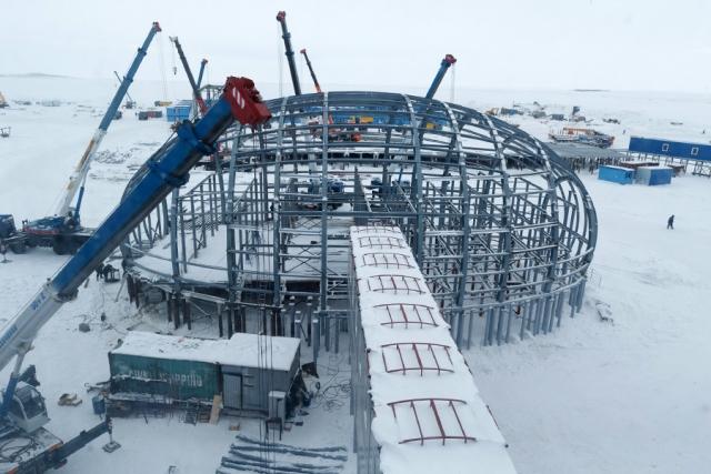 Строительство базы «Арктический трилистник» на острове Земля Александры