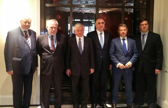 Налбандян и Мамедъяров пытаются организовать встречу президентов