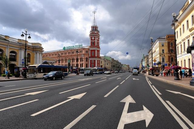 Петербуржцам напомнили, что они «недоплачивают» за общественный транспорт