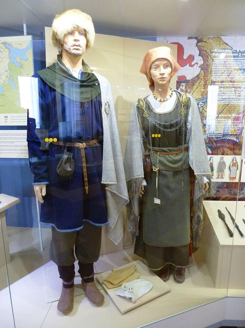 Реконструкция карельских костюмов XII–XIV веков
