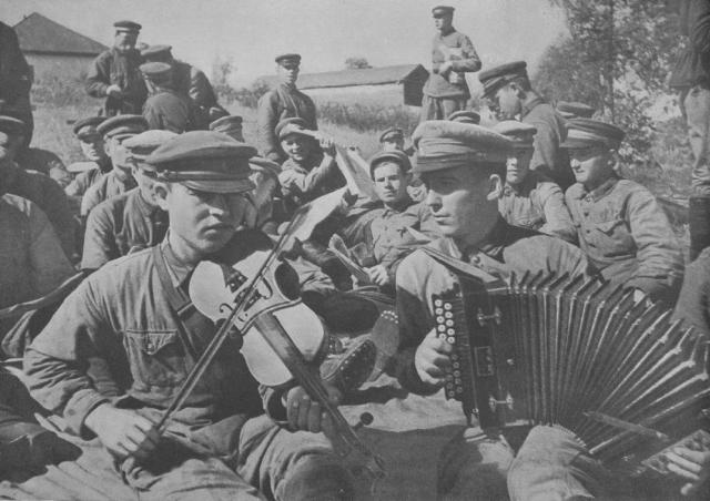Краснознаменный ансамбль красноармейской песни и пляски Союза ССР
