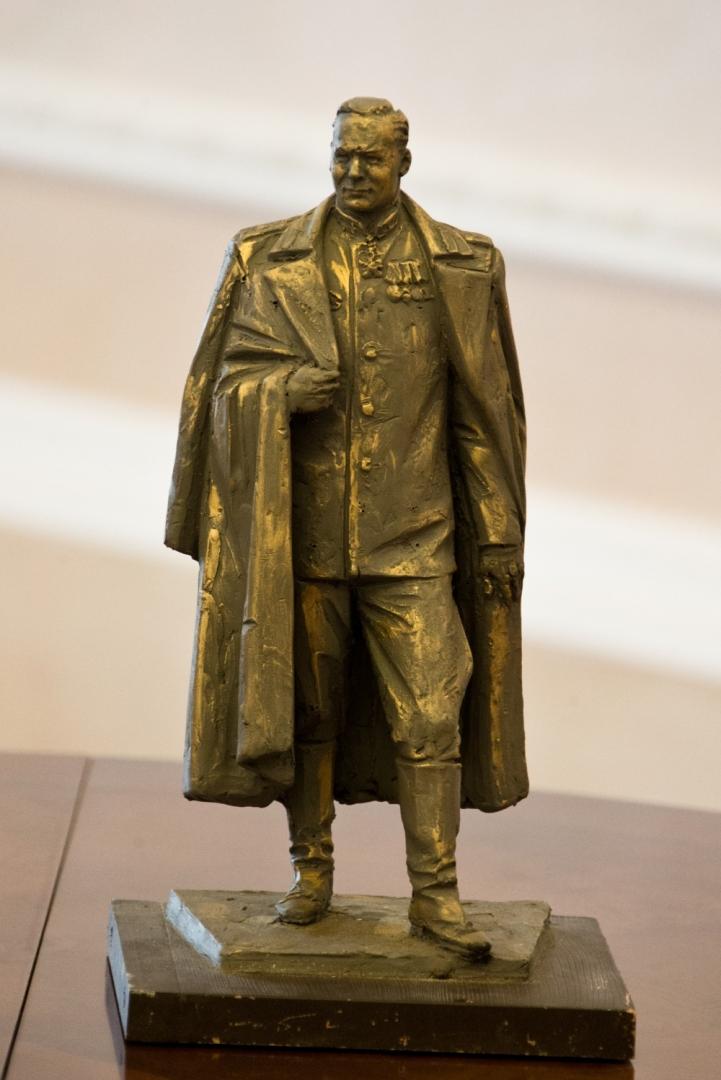 Проект памятника  руководителю внешней разведки СССР Павлу Фитину