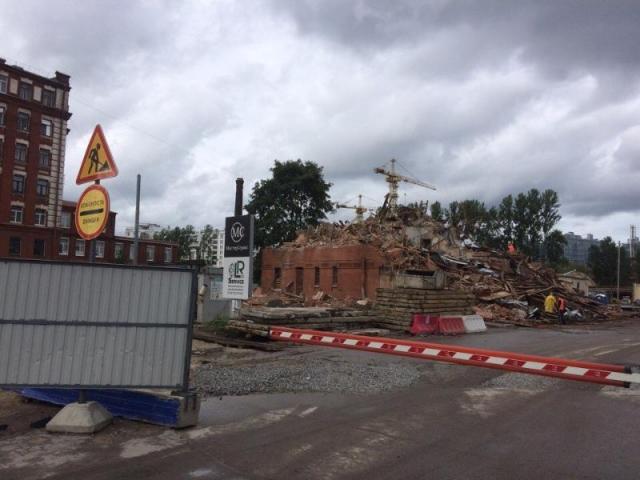 Заксобрание Петербурга не заинтересовал снос старинного здания ради ЧМ-2018