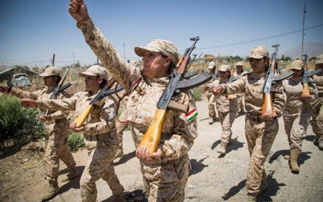 Женщины, солдаты армии Курдистана. Ирак