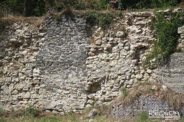 Стены склада