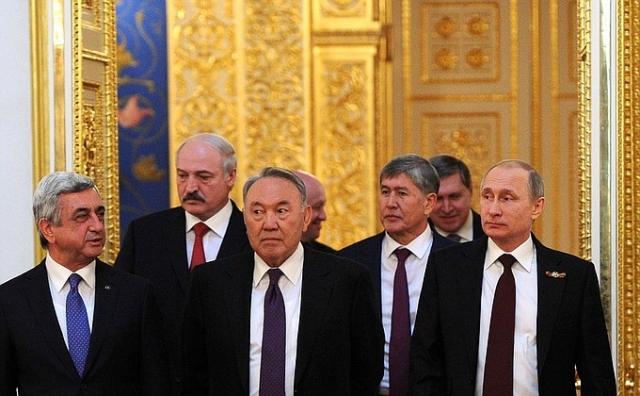 За день до… Напряжение между Бишкеком и Астаной растет. Москва молчит