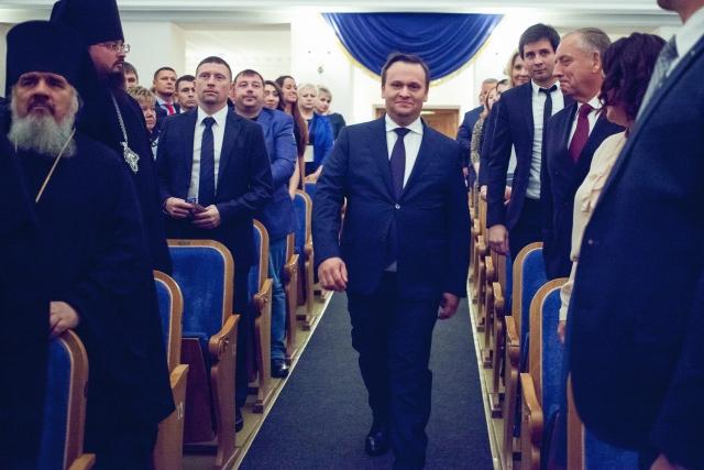«Идеальный шторм» для Новгородской области: губернатор вступил в должность