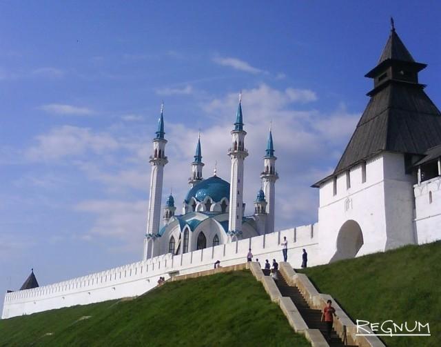 Кремль, мечеть. Казань. Россия