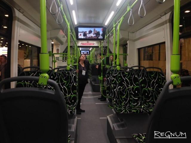 «Чижик» опаздывает: частный трамвай в Петербурге поедет до конца 2017 года