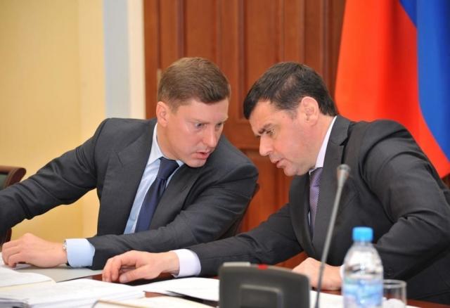 Губернатор Ярославской области Дмитрий Миронов (справа) и председатель правительства Дмитрий Степаненко