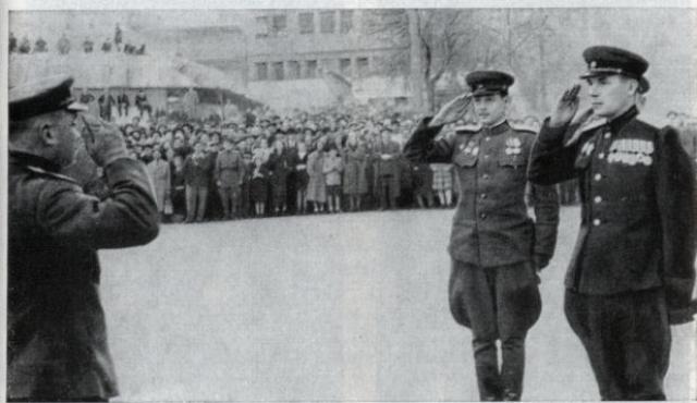 Парад артиллерийских частей в Белграде после его освобождения. 7 ноября 1944