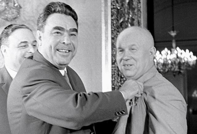 Леонид Ильич Брежнев — председатель комиссии по расследованию байконурской катастрофы