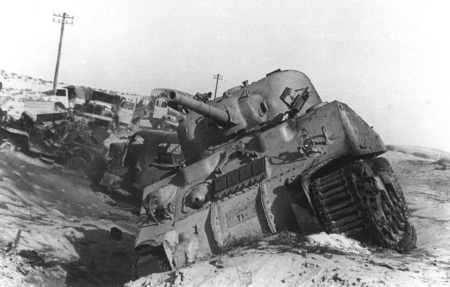 Подбитые танки в египте фото
