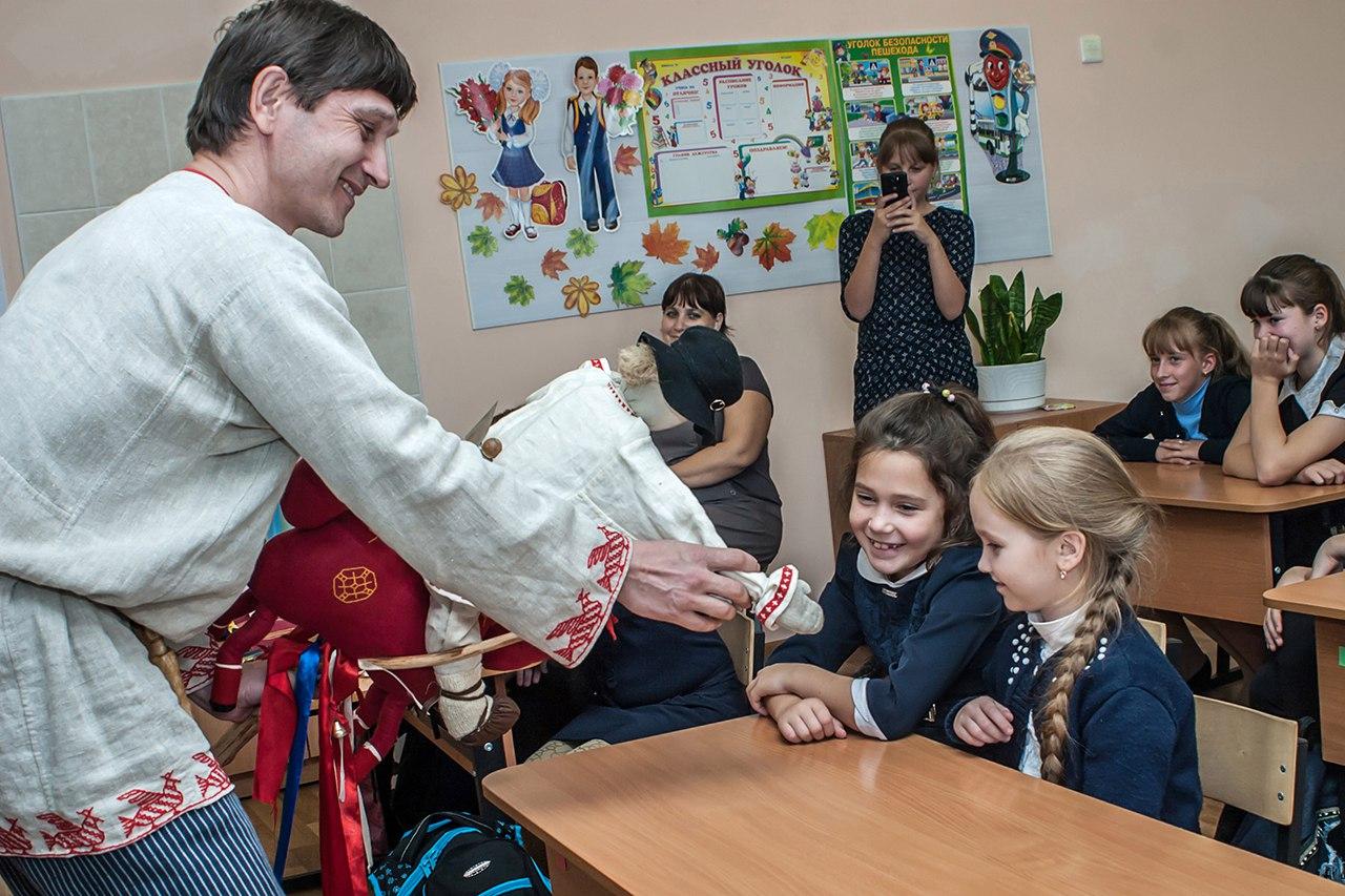 Кукольный театр «Кагракару» в Усть-Луге