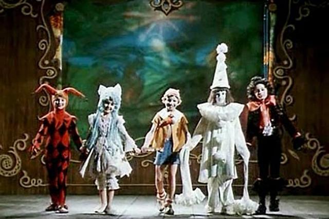 В Калуге открылся фестиваль детских и юношеских любительских театров