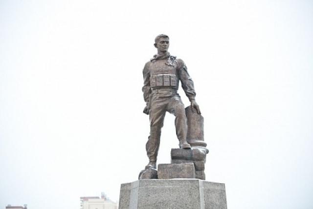 Памятник прохоренко в оренбурге адрес карта надгробные памятники для родителей ярославль
