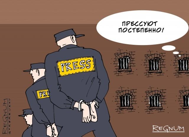 Репрессии в Минске: доносчики идут в суд, семьи взяты в заложники