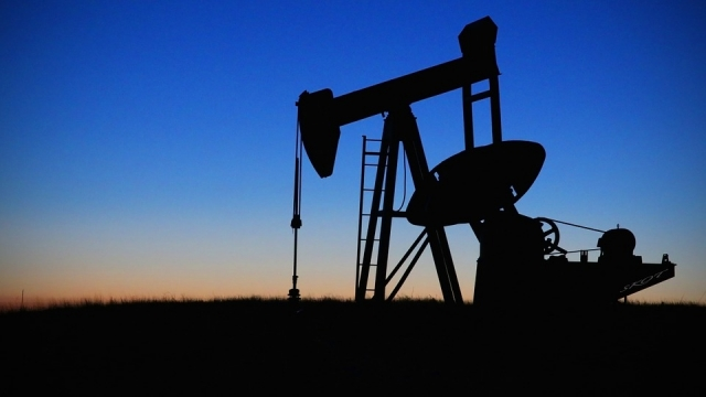 Нефть резко подорожала на фоне ареста принцев в Саудовской Аравии
