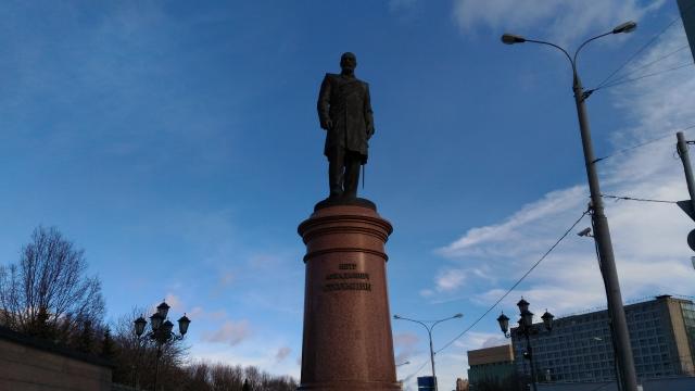 Памятник Столыпину в Москве. Установлен 27 декабря 2012 года у Дома Правительства Российской Федерации