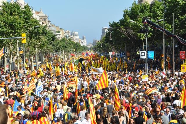 В Каталонии митингующие перекрыли дороги