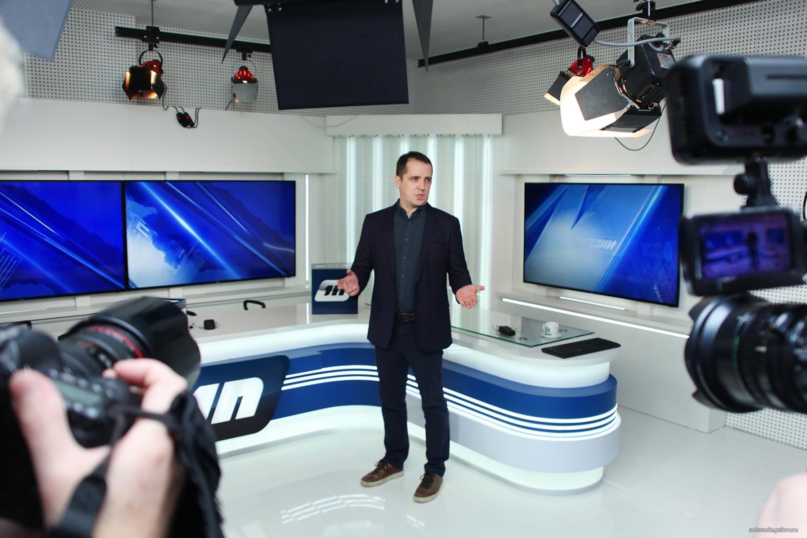 В студии нового телеканала