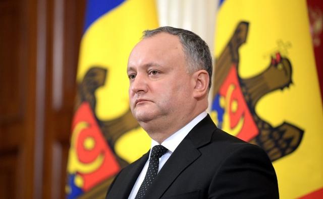 Молдавия: Плахотнюк растет на русофобии, Додон падает от бессилия