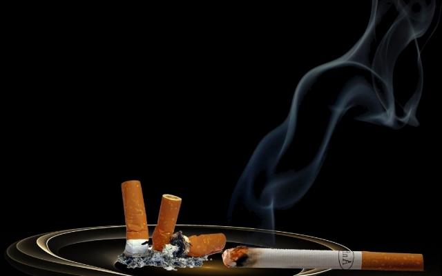 В Госдуме предложили сократить рабочую неделю для некурящих