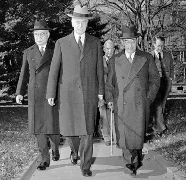 cordell hull the hero of peace behind the scene essay The way i see it, if hadn't been for gracie williams, alvin york would have been a little tougher than he turned out to be he grew up in pall mall, tennessee, scant miles from the kentucky line.