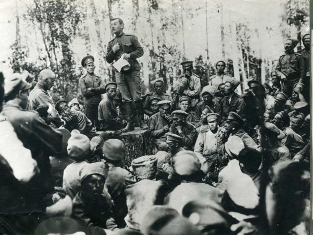 На солдатском митинге