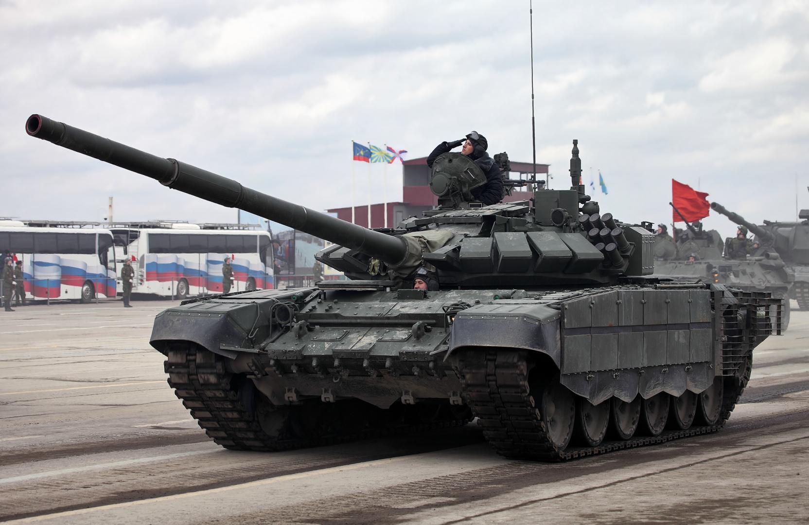 Модернизированный Т-72Б3 образца 2016 года с дополнительной защитой