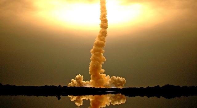 Роскосмос планирует направить на МКС экипаж из трех человек