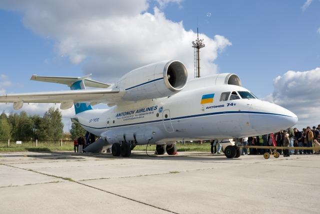 Самолет Ан-74Т