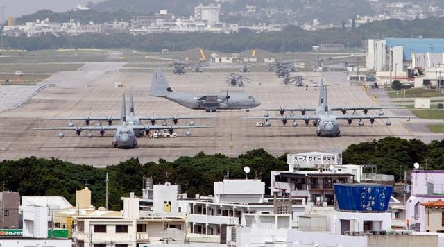 Американская авиация на военной базе на Окинаве. Япония