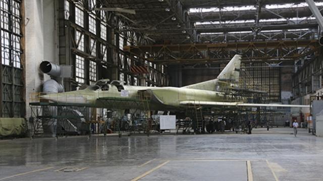 Рогозин доложил Путину о постройке новых ракетоносцев Ту-160М2
