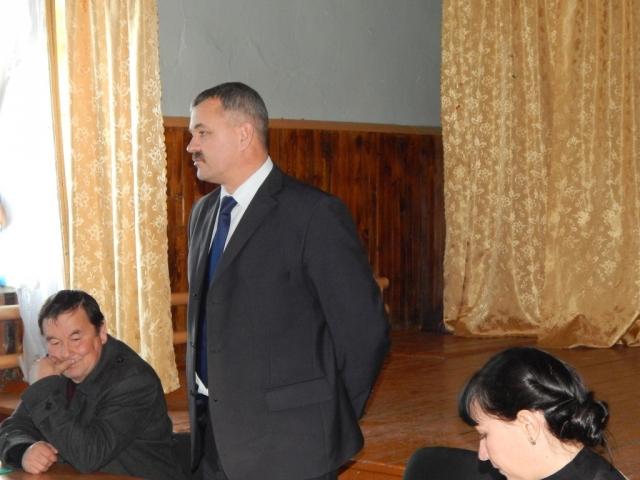 Владислав Рябченко на сходе местных жителей