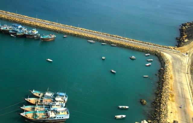 Порт в Иране