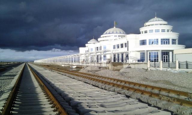 Железнодорожная станция Берекет. Туркмения