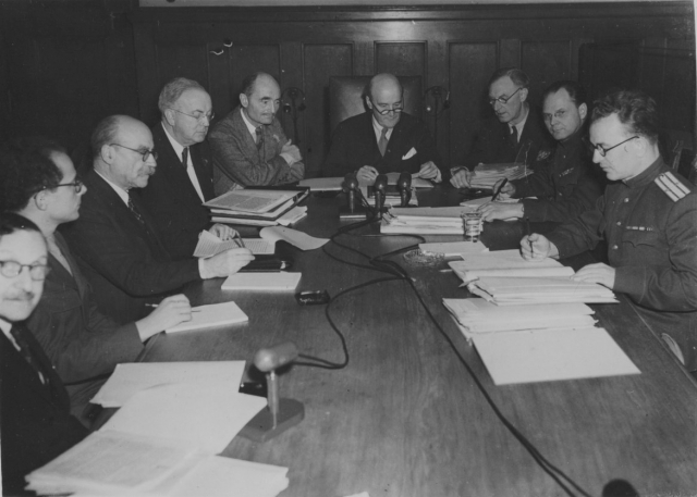 Судьи Нюрнбергского трибунала (справа налево) А.Ф. Волчков, И.Т. Никитченко, Н. Биркетт, Д. Лоуренс, Ф. Биддл, Д. Паркер, А. Доннедье де Вабр, Р. Фалько