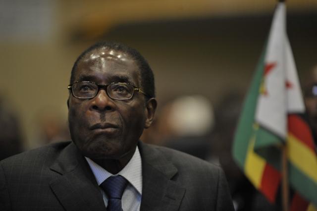 Мугабе отстранили с поста главы правящей партии Зимбабве