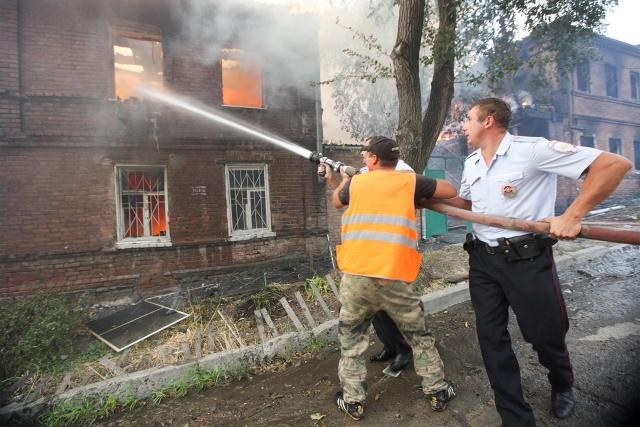 К тушению пожара привлекались все силы и средства