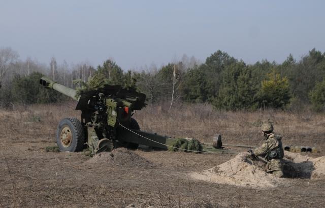 Военный корреспондент попал под обстрел ВСУ в Донбассе