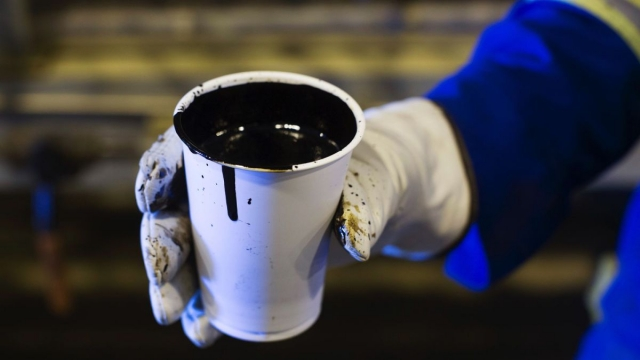 Нефть оживилась